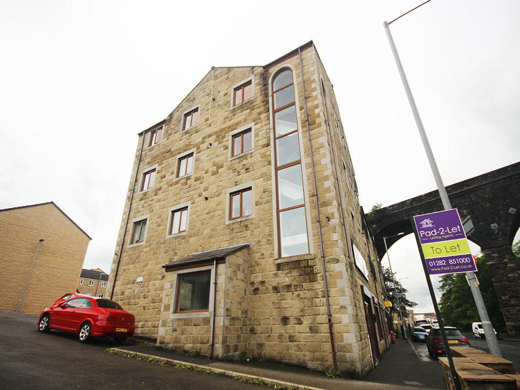 2 bedroom apartment To Let in Colne - Property photograph